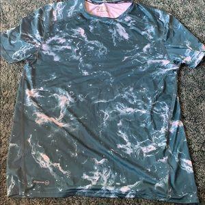 Men's Russell Dri-power nylon shirt. Size M